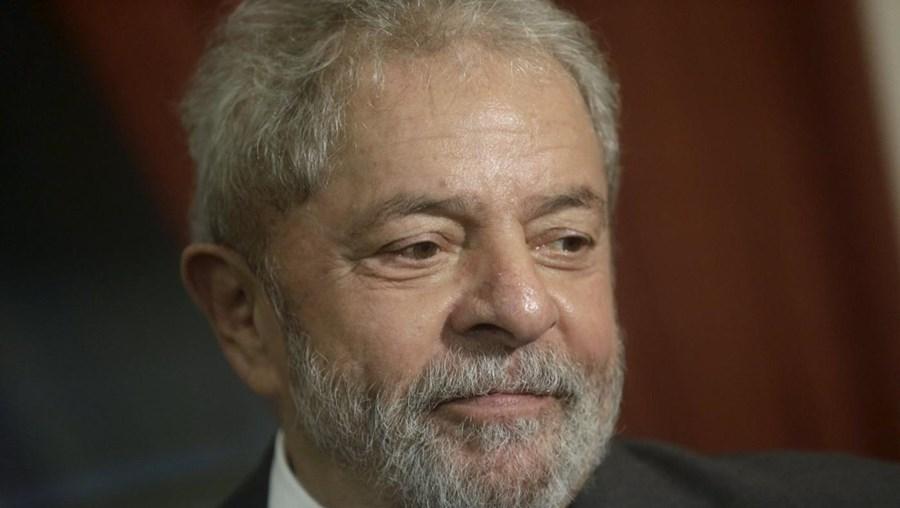 Já 26% dos brasileiros dizem que a sua vida piorou desde 2003, durante os executivos de Lula e de Dilma