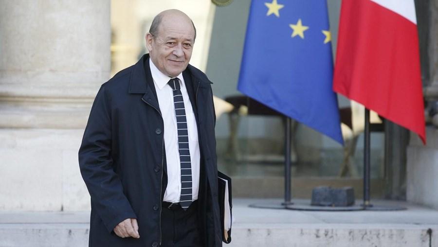 O ministro da Defesa francês Jean-Yves Le Drian