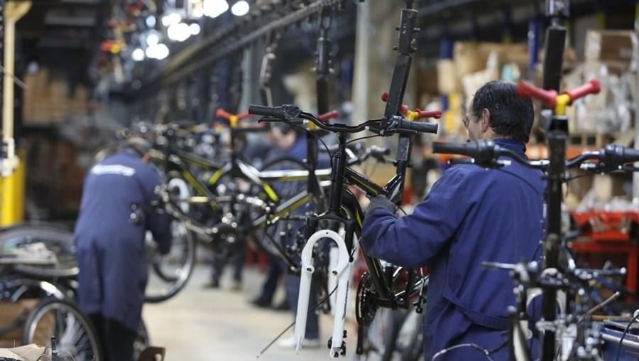 Portugal registou a maior descida no custo horário da mão-de-obra no terceiro trimestre (-2,8%)