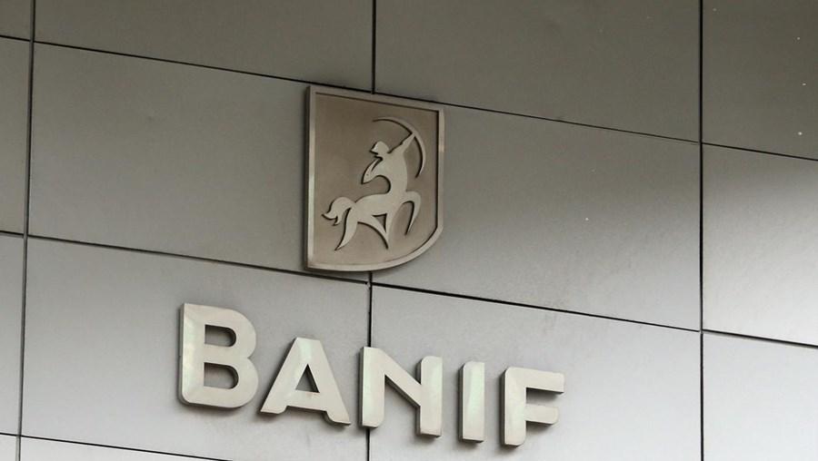 """Febase diz que a venda """"inspira confiança quanto ao futuro dos trabalhadores do Banif"""