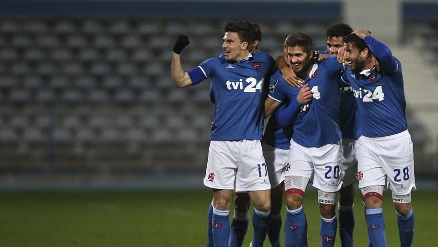 Jogadores do Belenenses celebram o golo de Filipe Ferreira