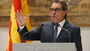 Ex líder da Catalunha condenado por causa de referendo à independência