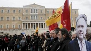 Milhares protestam na Grécia contra o corte nas pensões