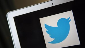 Tribunal saudita condena ativista a 20 anos de prisão por opinar no Twitter