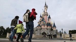 Primeiro caso positivo de coronavírus na Disneyland Paris
