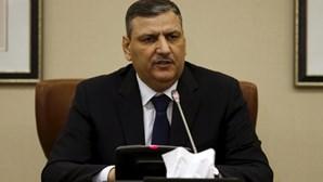 Oposição síria ameaça abandonar conversações de paz