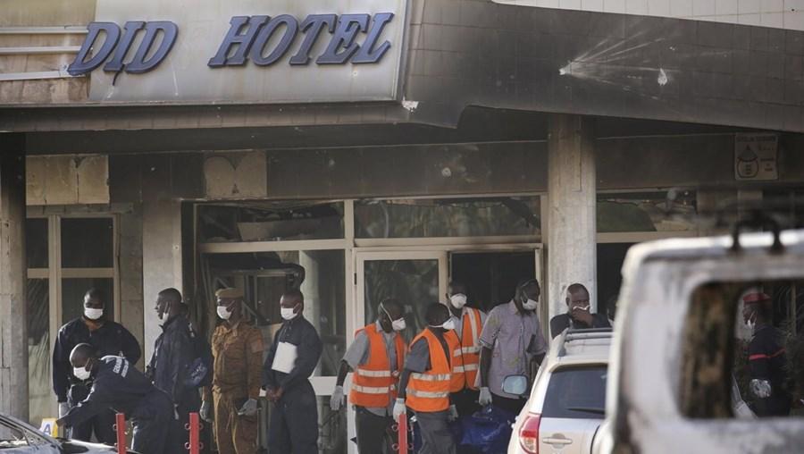 Ataque ao hotel em Ouagadougou causou 27 mortos