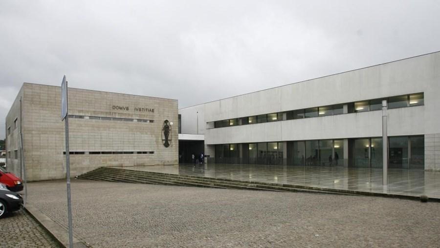 O juiz de instrução criminal no Tribunal de Famalicão deixou em liberdade os quatro suspeitos