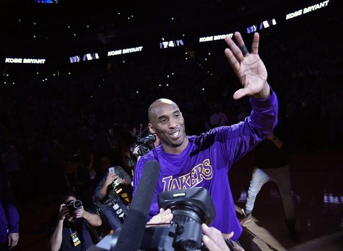 Aos 37 anos, a estrela dos Los Angeles Lakers dominou a votação entre os adeptos, com 1.891.614 de votos