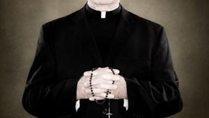 Padre católico acusado de organizar orgias