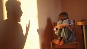 Filhos assistem a um terço dos homicídios em contexto de violência doméstica