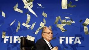 Blatter clama inocência e diz que não é corrupto