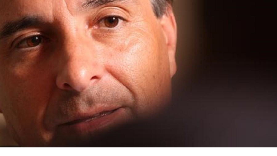 Empresário durante uma entrevista ao jornal Record (2009)