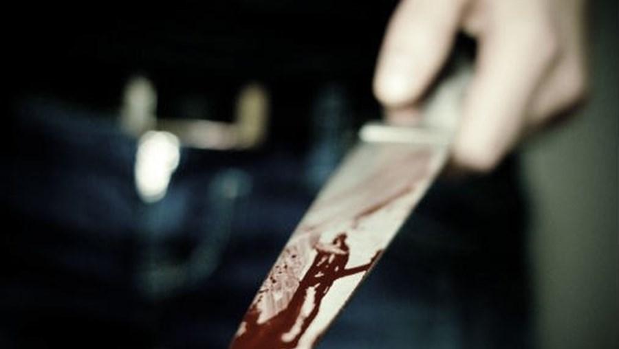 Faca de cozinha foi usada no crime, no Barreiro