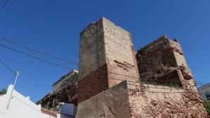 Risco de colapso em muralha visitada por 230 mil turistas