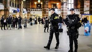 Polícia holandesa aumenta segurança nas estações de comboio