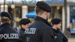 Polícia alemã interceta três suspeitos de terrorismo