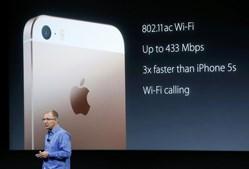 Vice-president Greg Joswiak apresenta o iPhone SE
