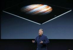 Phil Schiller, vice-presidente para o Marketing, apresenta o iPad Pro