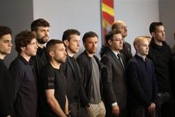 Jogadores e treinador do Barcelona na homenagem
