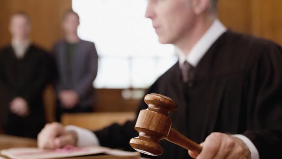 O tribunal decretou a entrega da menina ao pai