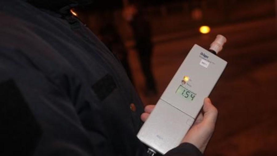 PRP adianta que, em média, em cada mil condutores portugueses que circulam nas estradas, 18 conduzem com taxas de álcool ilegais