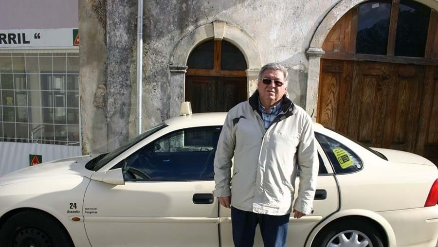 Ângelo Filipe militar da GNR reformado é hoje taxista na praça em Fungalvaz, no concelho de Torres Novas