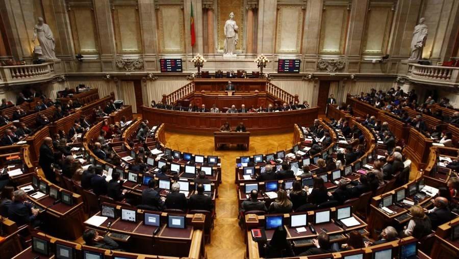 Vista geral da assembleia durante a sessão plenária