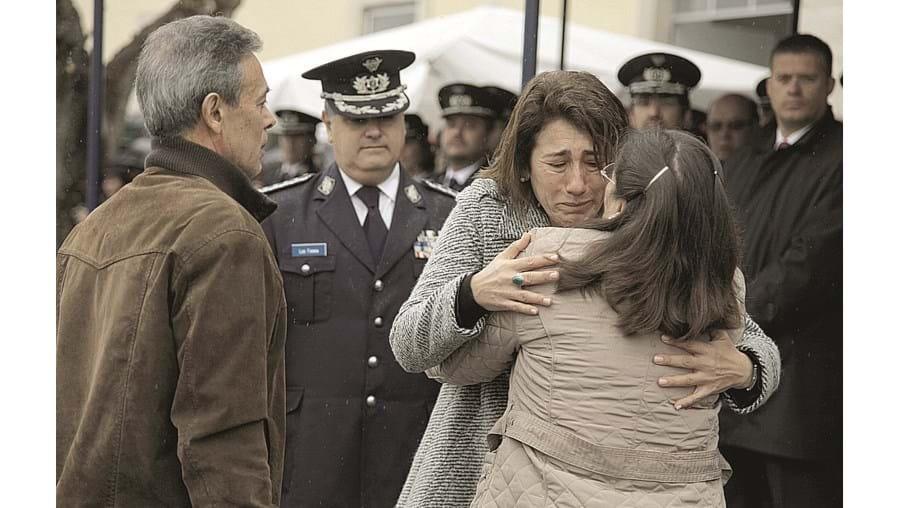 Constança Urbano de Sousa emocionou-se com a mãe do agente da PSP