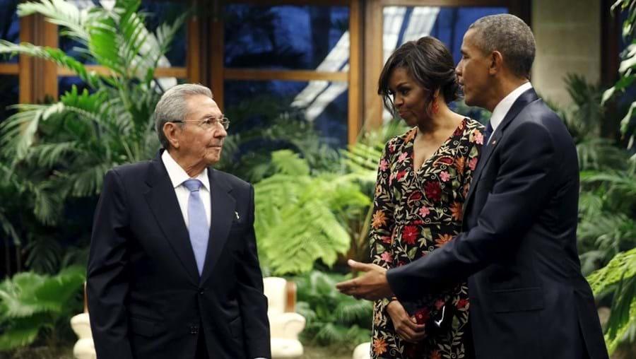 Barack e Michelle Obama com Raul Castro