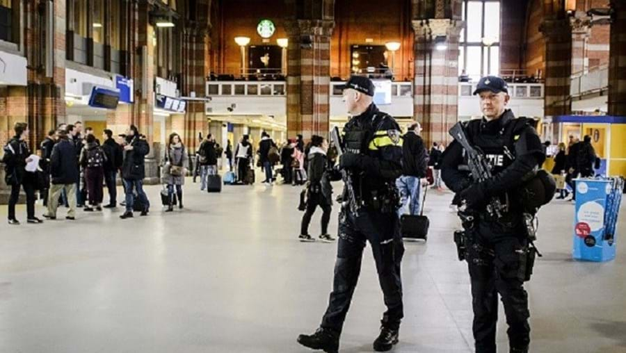 A polícia holandesa informou que aumentou o nível de segurança nas estações de comboio das maiores cidades do país