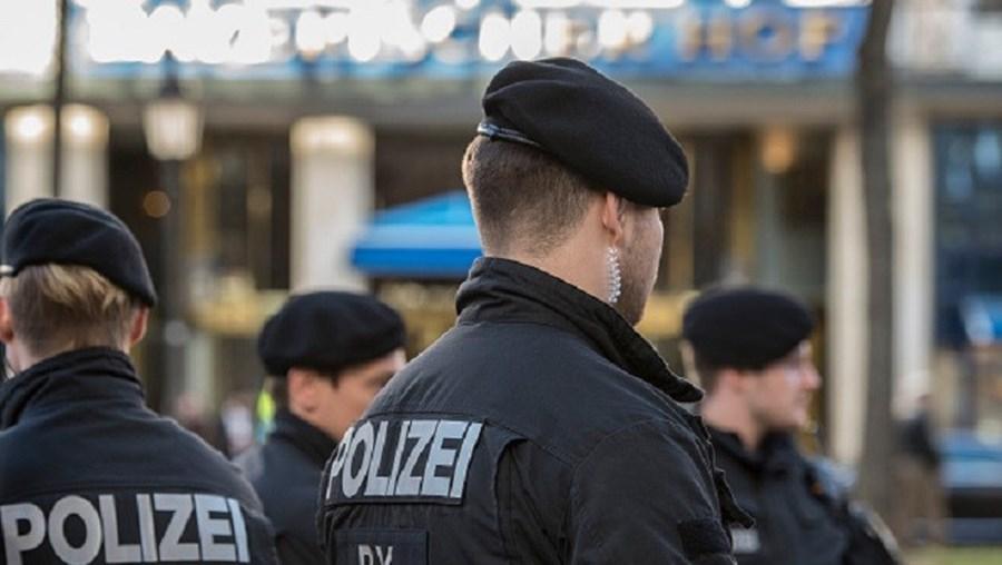 Polícia alemã interceta três kosovares suspeitos de terrorismo