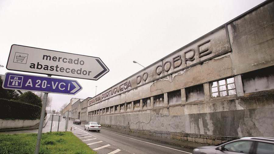 Instalações da extinta Companhia Portuguesa do Cobre, na Estrada da Circunvalação, ainda não tem futuro definido