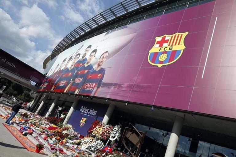 Memorial a Cruyff em Camp Nou