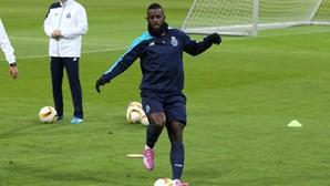 Varela regressa um mês depois aos convocados do FC Porto