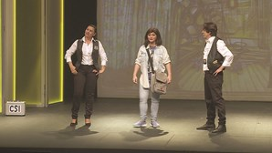 Marina Mota reúne família toda no palco
