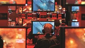 Vendas de videojogos e DVD mantêm queda