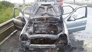 Carro arde no IC19