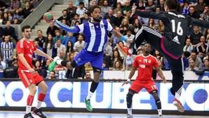 """FC Porto reage com """"profunda estranheza"""" ao arquivamento do processo Cashball"""