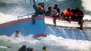 Cerca de 70 imigrantes desaparecidos após naufrágio