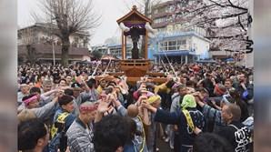 Mais de 20 mil pessoas visitaram o festival dos pénis em Tóquio