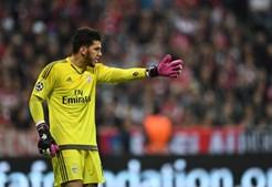 Ederson foi um gigante na baliza do Benfica em Munique