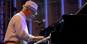 Chico Serra foi o grande homenageado da 8.ª edição do Kriol Jazz Festival