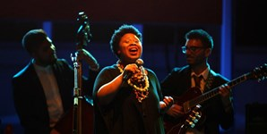 Ron Savage Trio e Nadia Washington