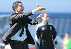 O treinador do Belenenses Julio Velázquez