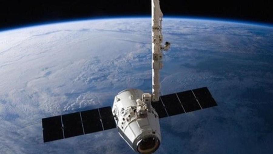 Nave espacial não tripulada Dragon