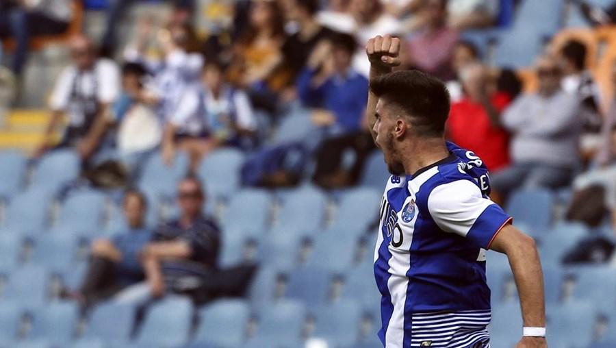 Rúben Neves marcou o primeiro golo do FC Porto