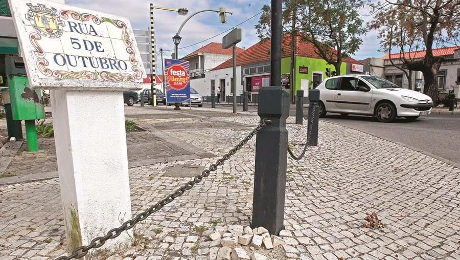 Moradores da Quinta do Anjo criticam a atuação do executivo de Valentim Pinto e dizem que não cumpre a sua missão