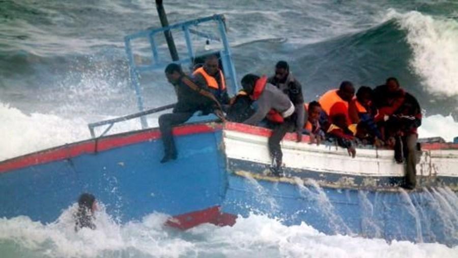 Milhares de migrantes já morreram em naufrágios