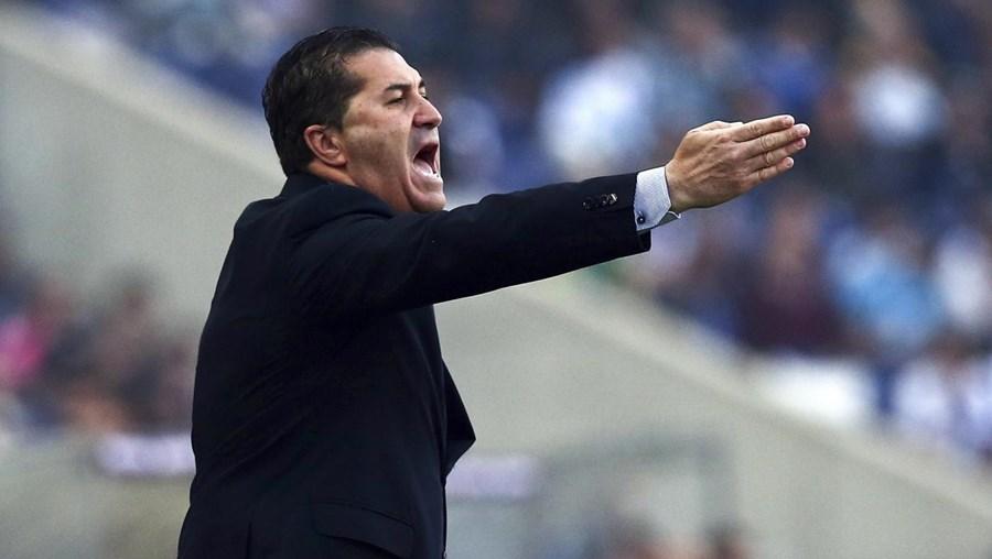 """""""Artur Soares Dias é um excelente árbitro, mas há um penálti claro e creio que o outro também é"""", atirou José Peseiro"""